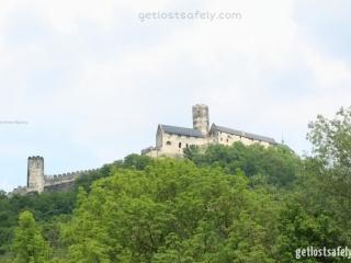 Kastil di atas bukit