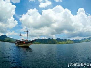 Komodo Island and the boat2