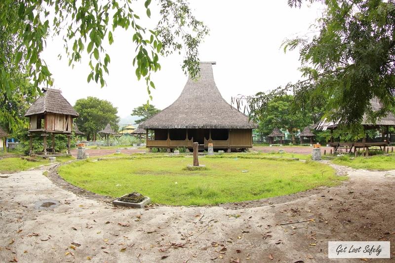 Tenun Ikat Museum Ende