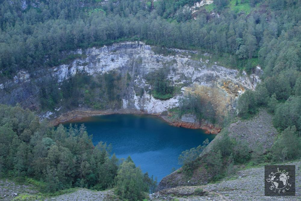 Lake of Old People Kelimutu