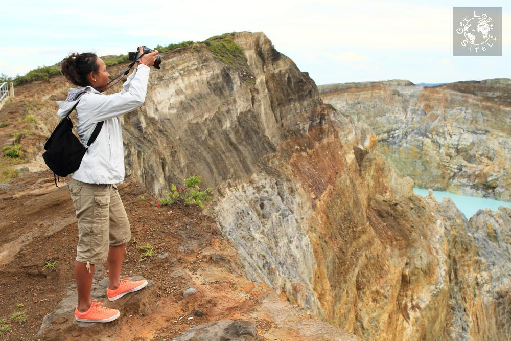 Photographing at the edge of the Kelimutu cliff