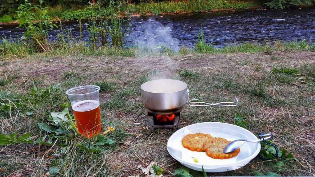 Makan malam dan bir