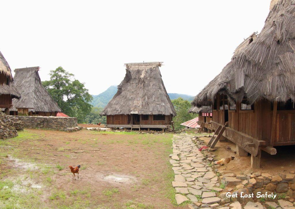 Rumah adat wologai